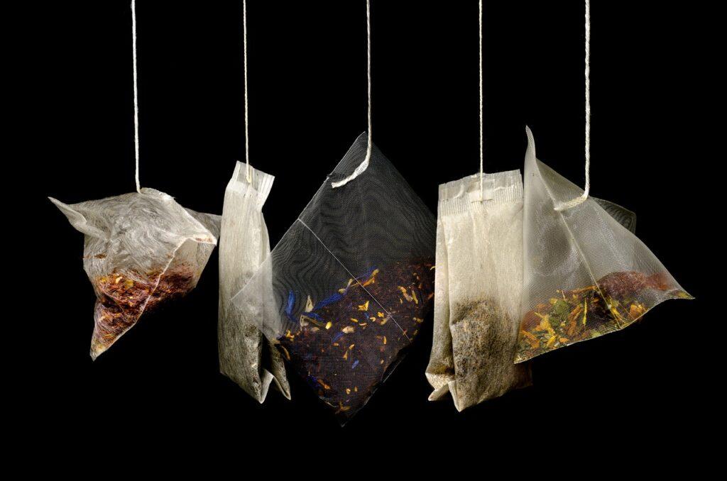 Łyżka dziegciu do czajniczka z herbatą