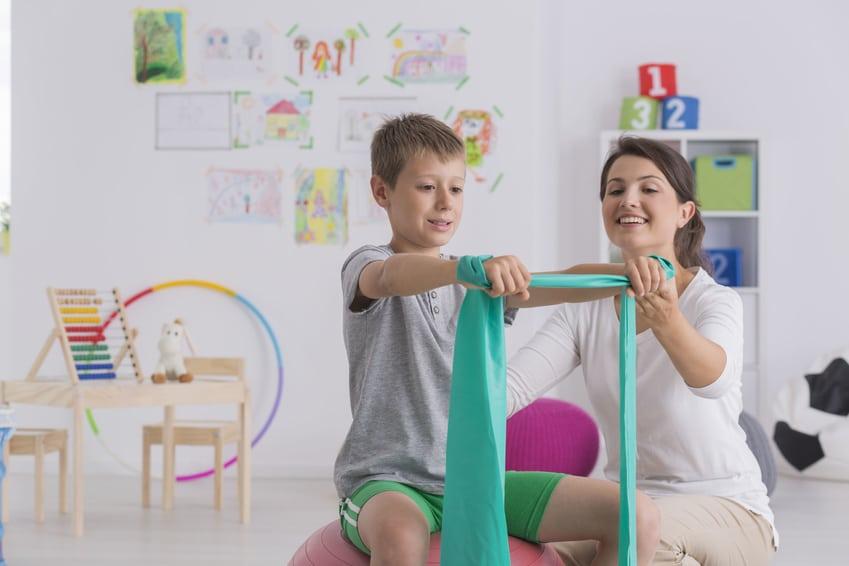 Rehabilitacja dzieci – kiedy warto ją rozpocząć?