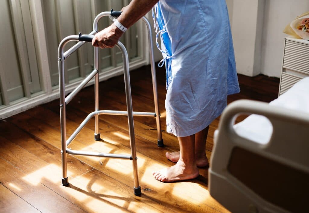 Szpitalny ekwipunek – w co zaopatrzyć chorego