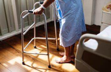 Szpitalny ekwipunek - w co zaopatrzyć chorego