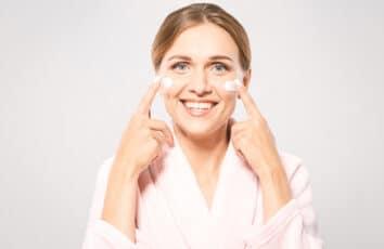 Pielęgnacja to podstawa – wybieramy najlepszy krem do skóry dojrzałej