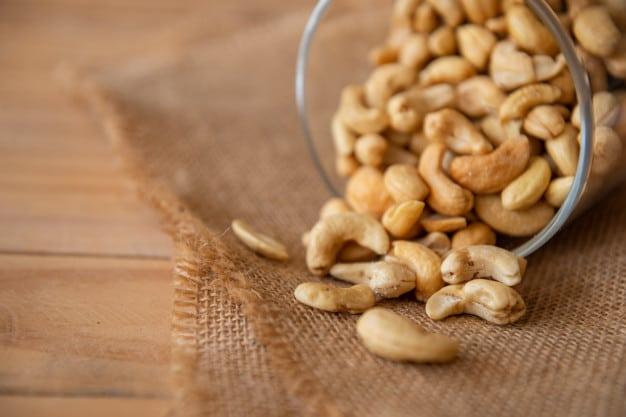 Czy orzechy nerkowca są zdrowe? Wartości odżywcze, właściwości i jak jeść nerkowce