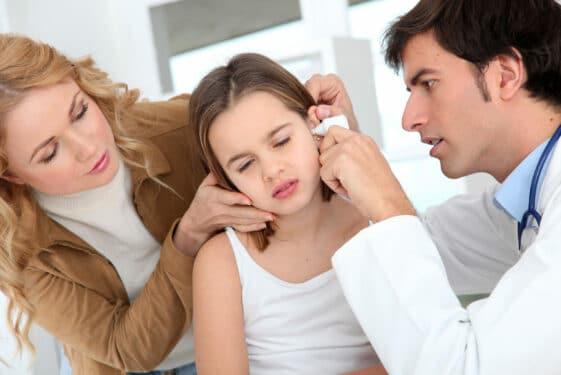 Jesienne infekcje u dzieci. Jak sobie z nimi radzić?